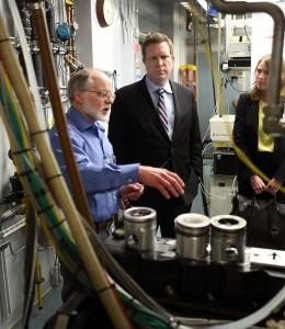 John Dec explains to Reuben Sarkar the research done in HCCI/low-temperature gasoline combustion laboratory.