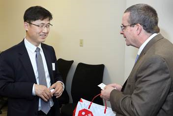 Hyundai executives visit Sandia